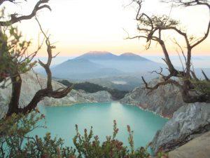 paket wisata banyuwangi, open trip banyuwangi, trip banyuwangi, tour banyuwangi, ijen, kawah ijen, blue fire