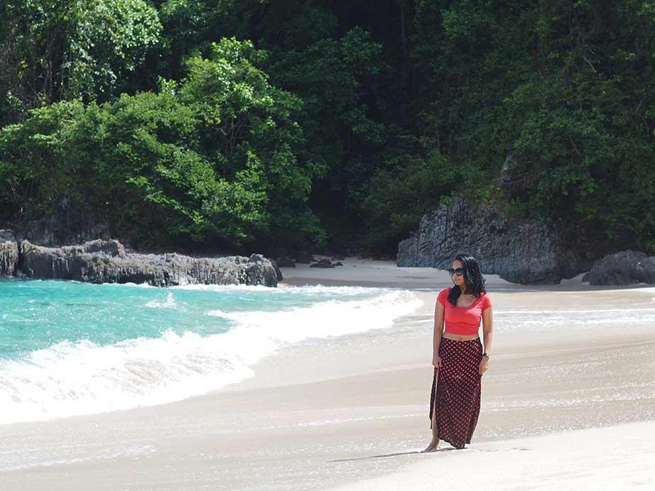 Wisata Pantai Teluk Hijau Banyuwangi